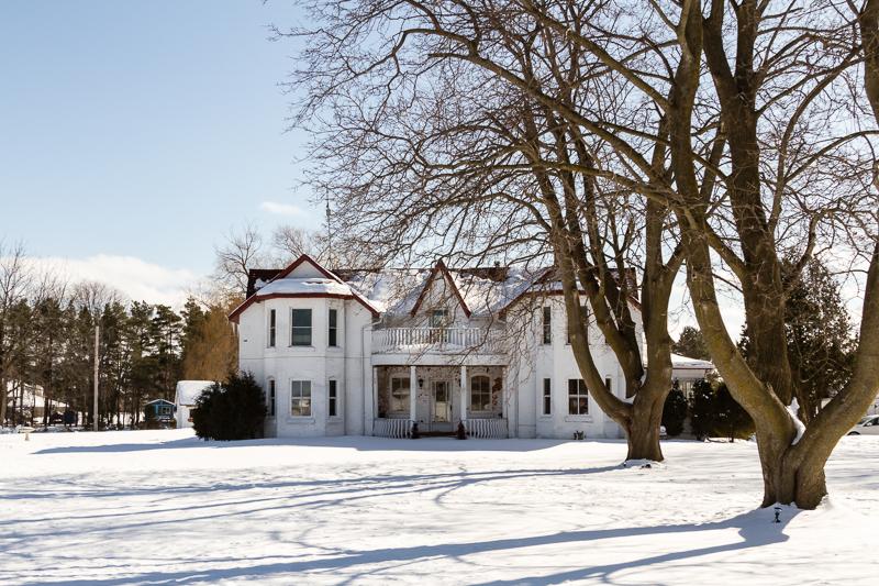 Baldwin Manor