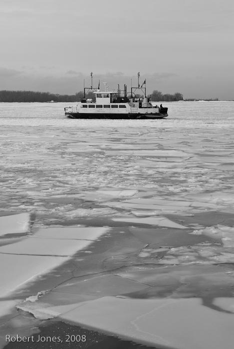 ferry-through-the-ice1